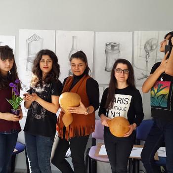 Öğrencilerimizle biraz da eeğlenelim dedik ve küçük bir fotoğraf çekimi yaptık :)